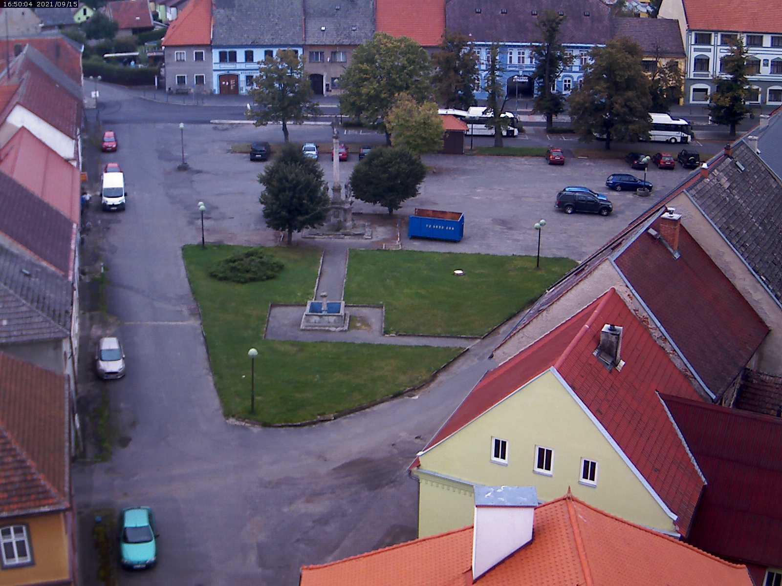 KRAVAŘE náměstí - pohled z věže kostela Narození Panny Marie